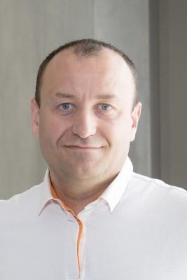 Yann Neuhaus bearbeitet